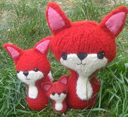 These foxes come in small, medium, and large.