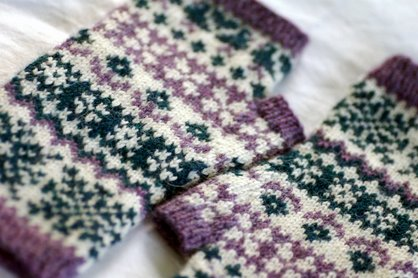 Wintry Mix Mitts sale ends today!